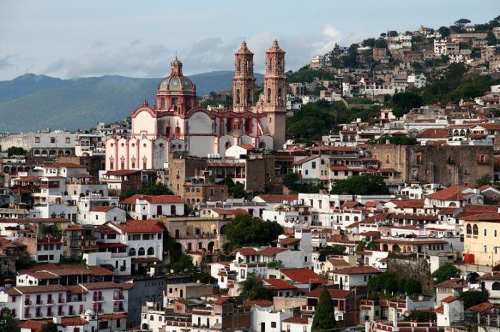 Церковь Санта-Приска – главная достопримечательность «серебряного города» Таско в Мексике