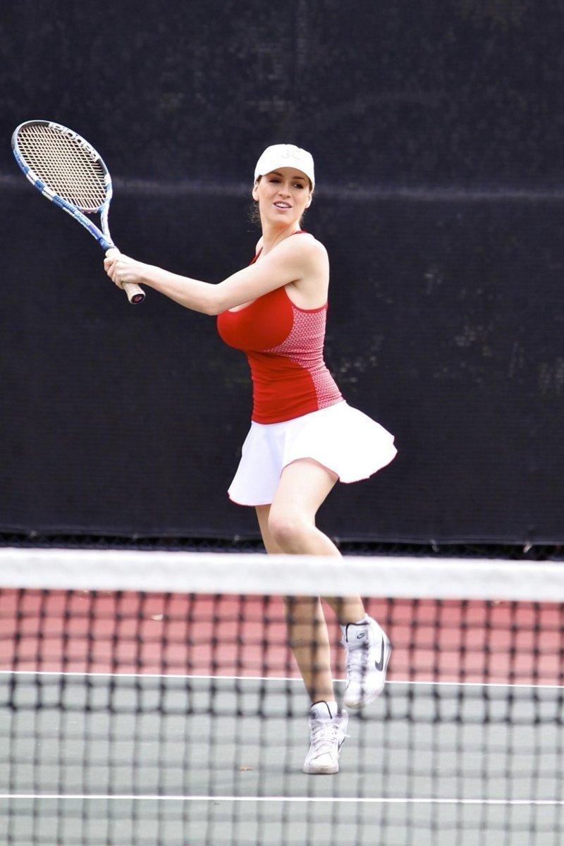 фото знаменитых грудастых теннисисток зале