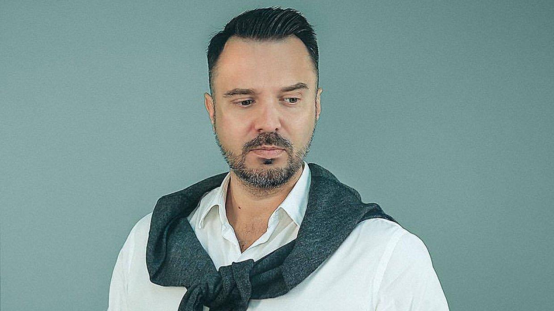 Остановить поток оскорблений поможет удар по кошельку либералов, считает Осташко
