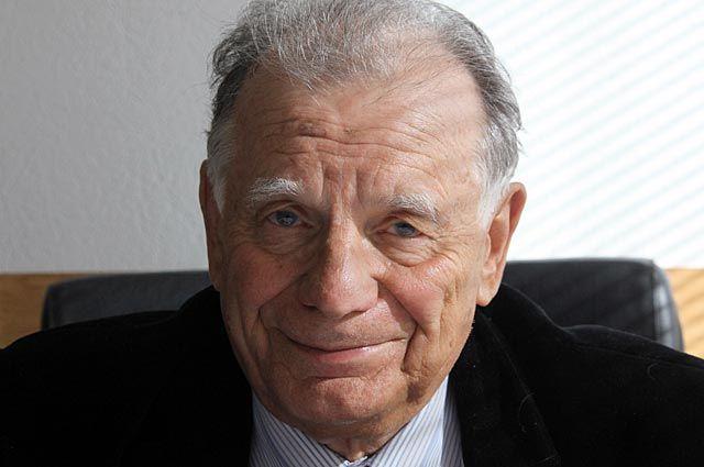Простите, Жорес Иванович… Ученые в России проиграли «светским львицам»