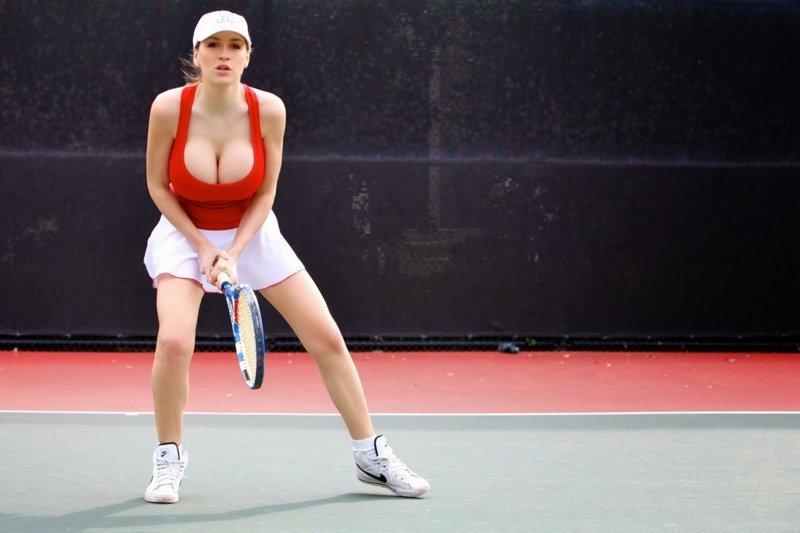 Большой теннис и большая грудь - это как плюс и минус грудь, девушки, йога, проблемы, спорт, тенис, формы, ягодицы