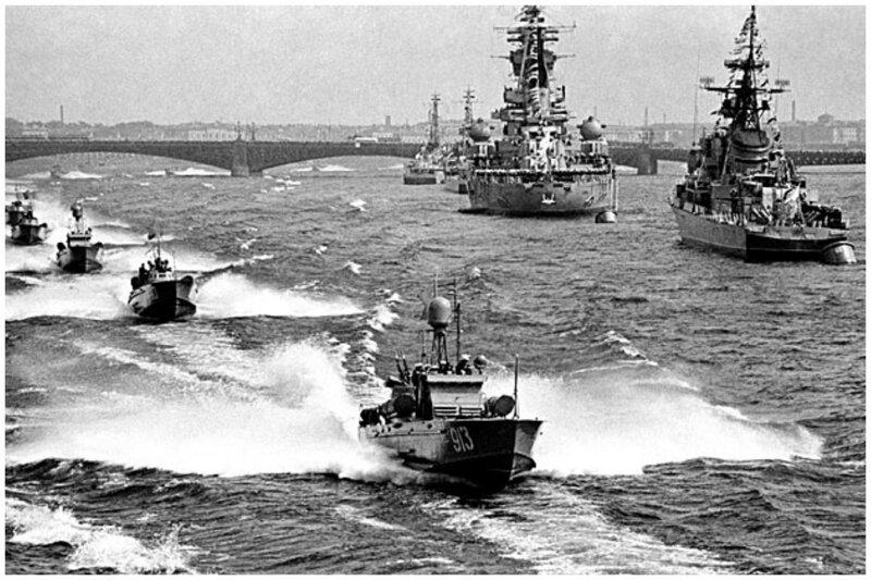 Корабли проходят конвертацию (заваривание отверстий корпуса) и по цене металлолома отбывают за границу, где проходят процедуру разборки Аланг, деньги, интересное, корабли, распил, суда, факты, флот