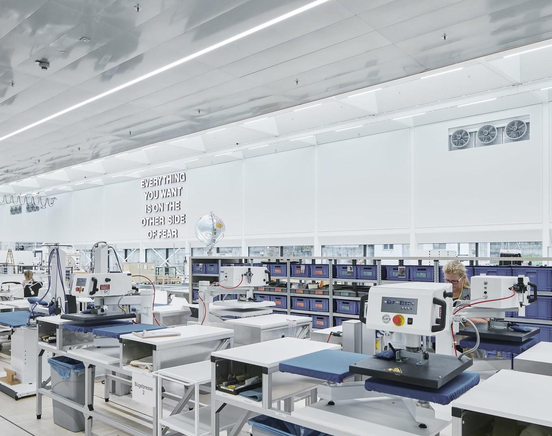 Архитектура и дизайн завода Swarovski Manufaktur в Австрии