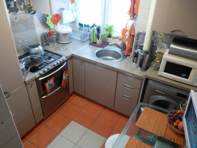 Дизайн кухни 4,8 кв.м - простота и функциональность (20 фото)