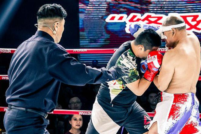 Чемпион по кунг-фу вышел против бойца ММА