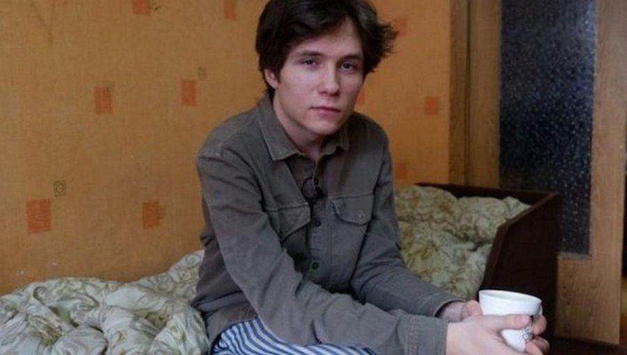 Егор Чернюк: окончил три школы, прославиться и удрал из России от уголовного дела, в свои 19
