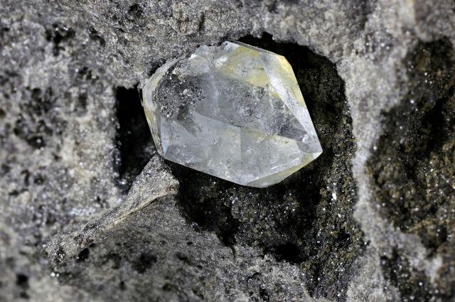 Американские ученые нашли алмаз с «инопланетным» льдом внутри