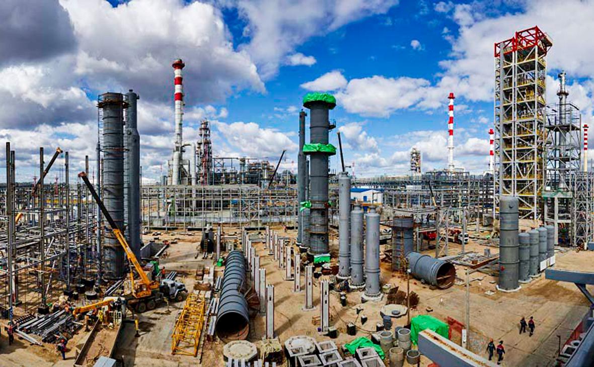 Денег нет: Один из крупнейших независимых НПЗ России остался без нефти