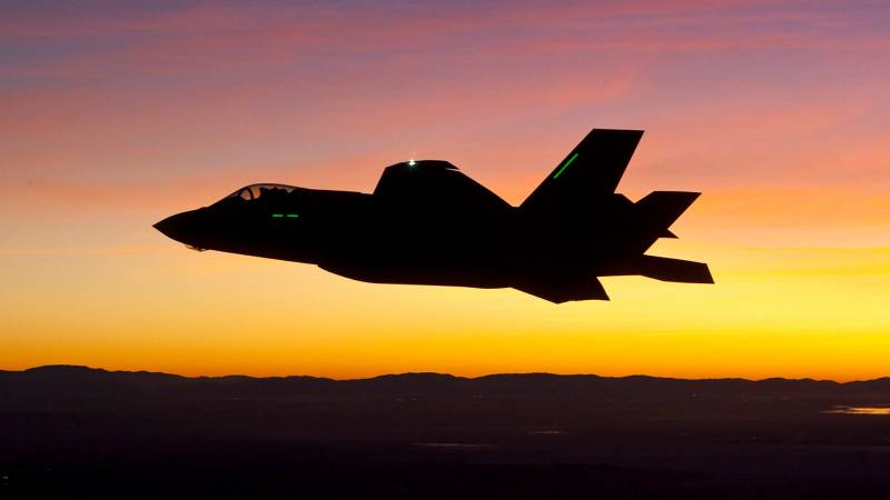 СМИ США о крушении F-35: Машина всеми способами пыталась «убить» пилота Техно