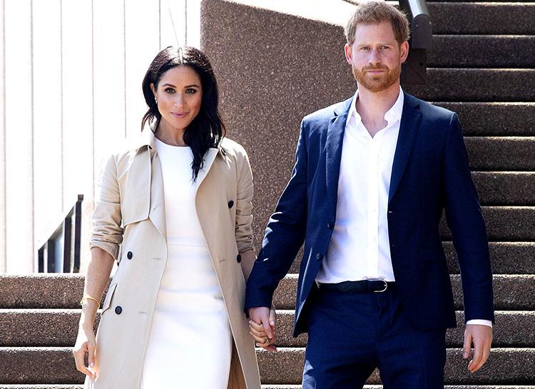 Меган Маркл прилетела в Нью-Йорк, чтобы провести babyshower Монархи / Британские монархи