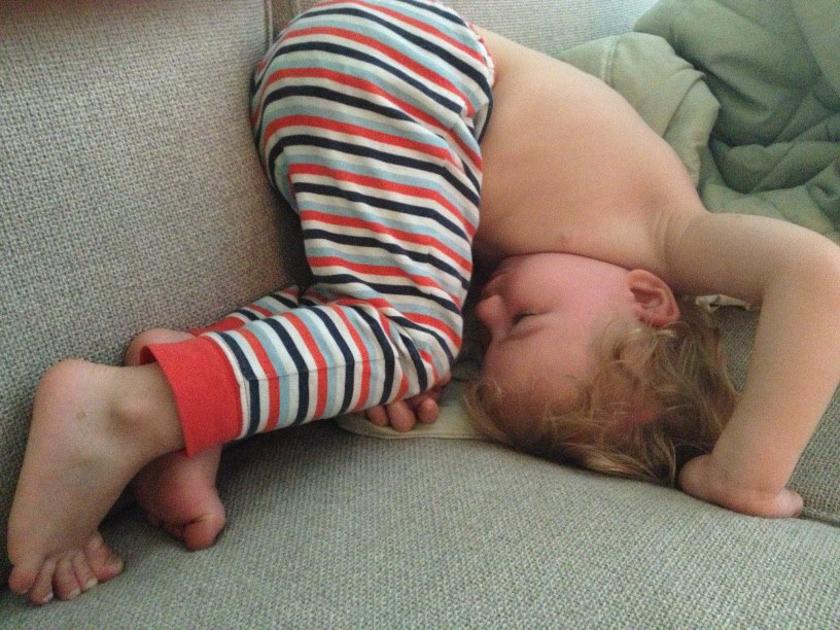 Маленький ребенок спит смешные картинки, надписью память