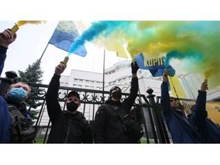 """""""Одна среди русского моря"""". Что Киев украинизирует в 2021-м украина"""