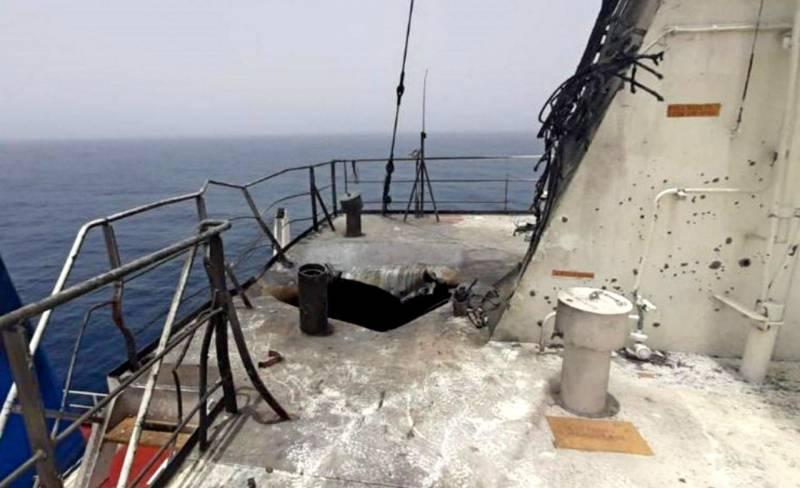 Появились фото последствий «иранского удара» по израильскому судну