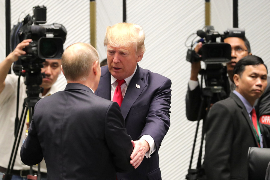 Трамп сделал твитты о Путине и России. Агитирует за хорошие отношения