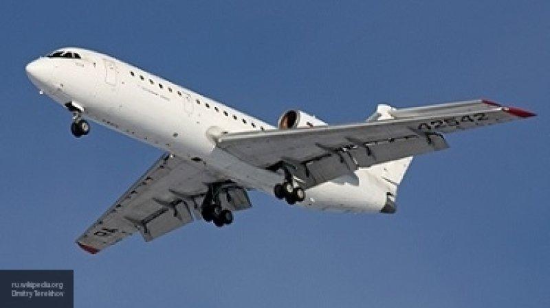 Пассажирский самолет совершил посадку в Красноярске из-за технической неисправности