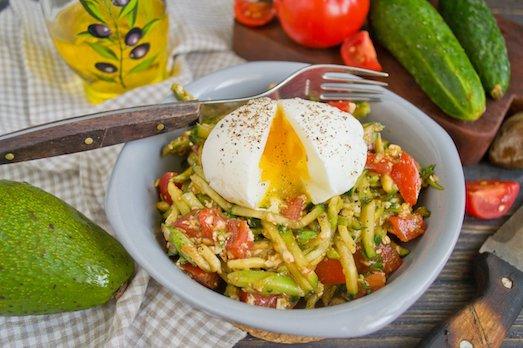 Вкусные и полезные салаты с яйцом-пашот рецепты,салаты