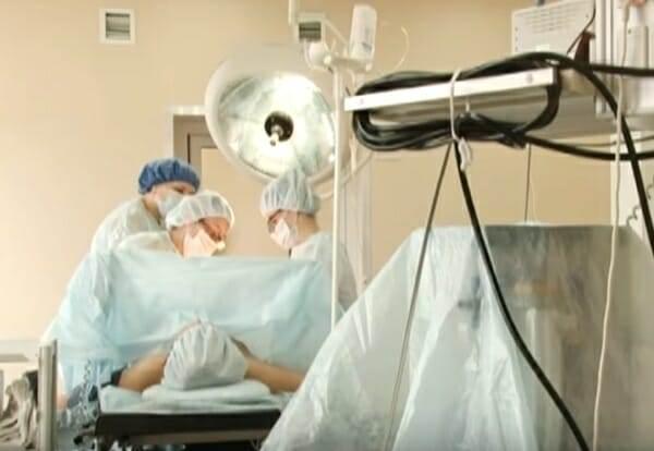 Когда малыш не появился в срок, то женщина обратилась к докторам. После УЗИ медики были ошарашены…