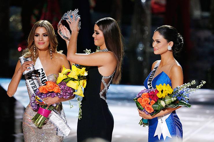 Королевы красоты, потерявшие свой титул девушки