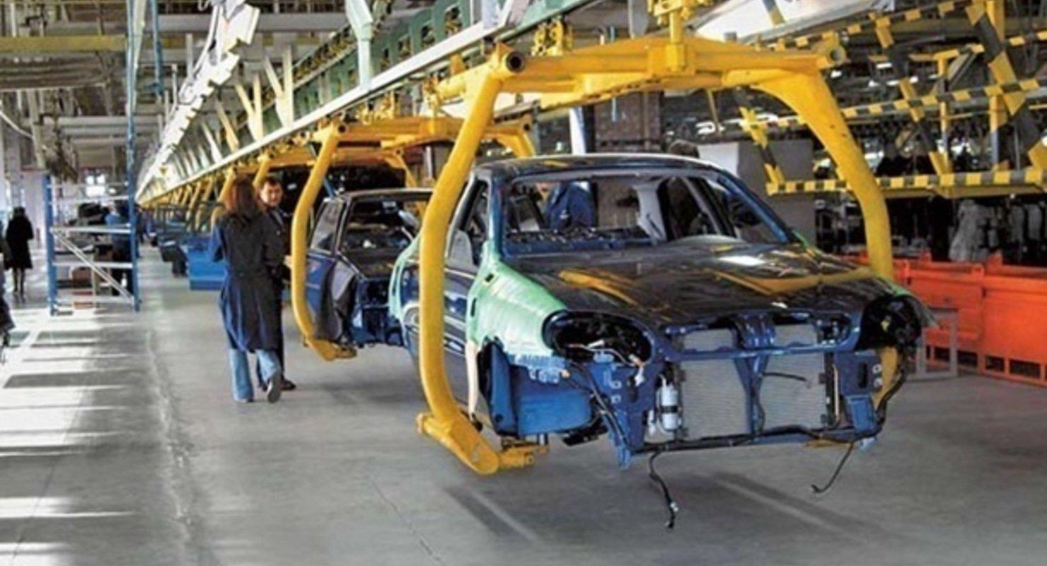 Китай увеличил продажи автомобилей на 25,6% Автомобили