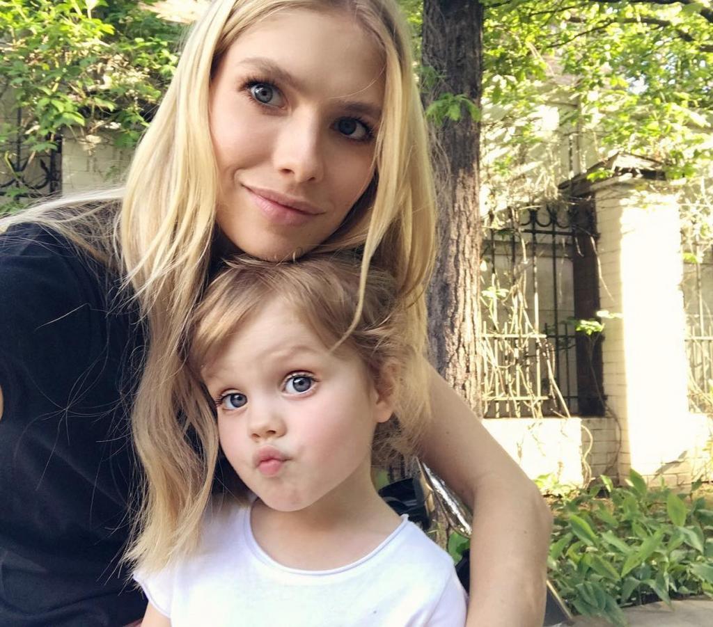Фото российских звезд с детьми