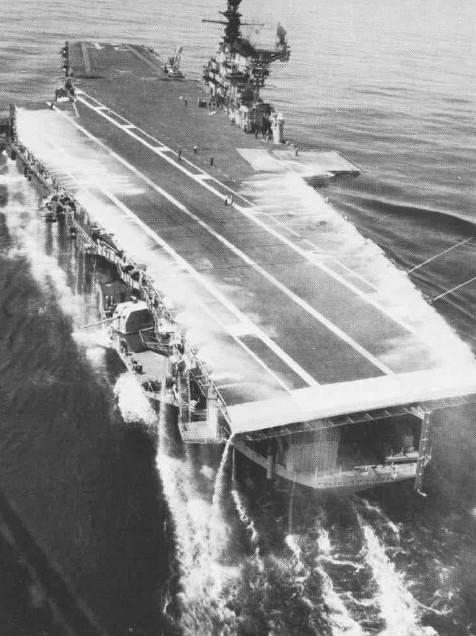 Сколько надо ракет и торпед чтоб потопить авианосец?