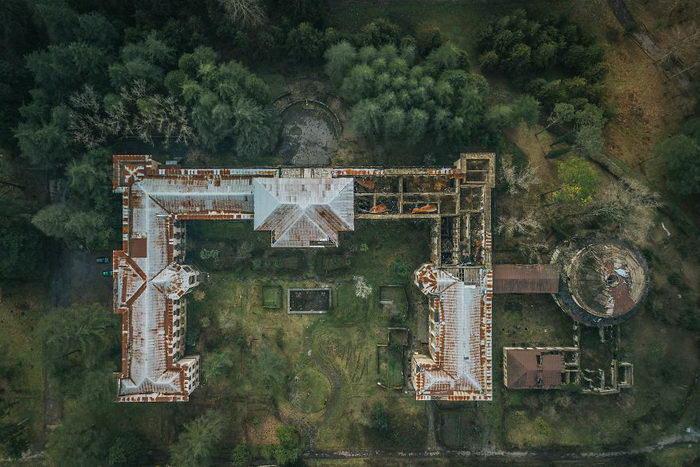 Заброшенный пансионат в Цхалтубо. Популярный в СССР и совершенно забытый сейчас