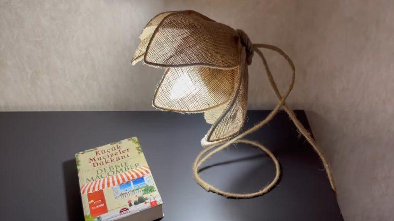 Прекрасная лампа из мешковины и пластиковой бутылки интерьер,переделки,рукоделие,своими руками,сделай сам