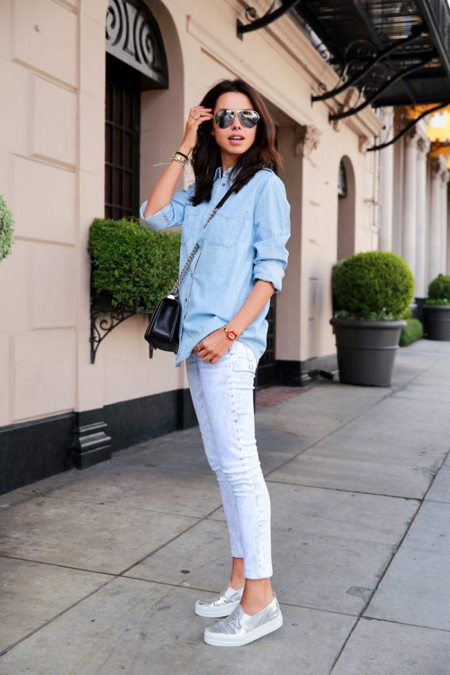 Чтобы всегда быть в тренде, нужно знать, с чем носить джинсовую рубашку