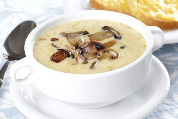 Грибной суп с сыром на курин…