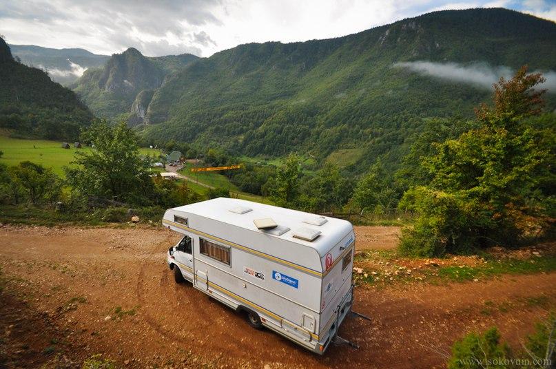 Дом на колёсах в горах Черногории