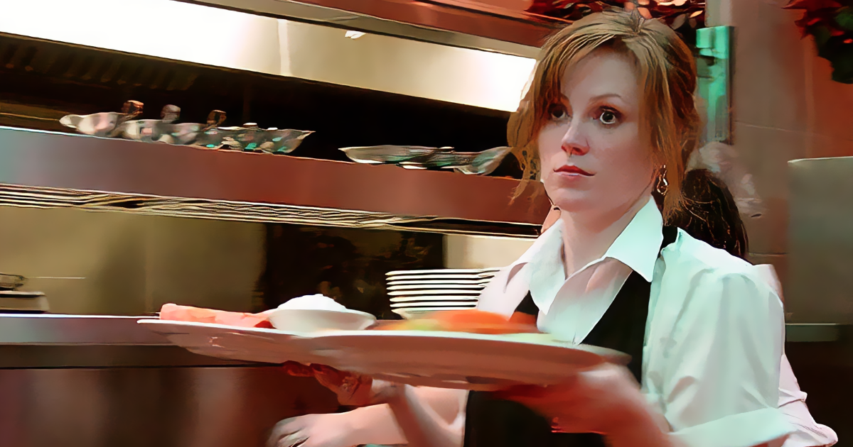 Guy Dumps Girl On Valentine's Day After Seeing The Way She Treats Waitress