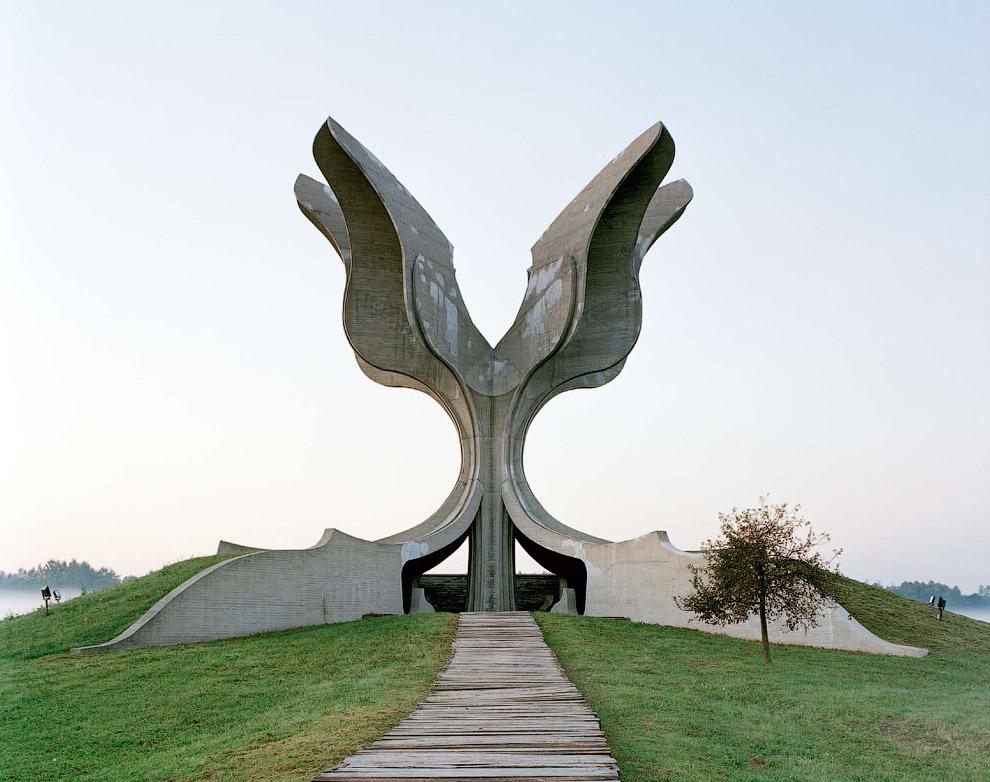 Мемориалы бывшей Югославии