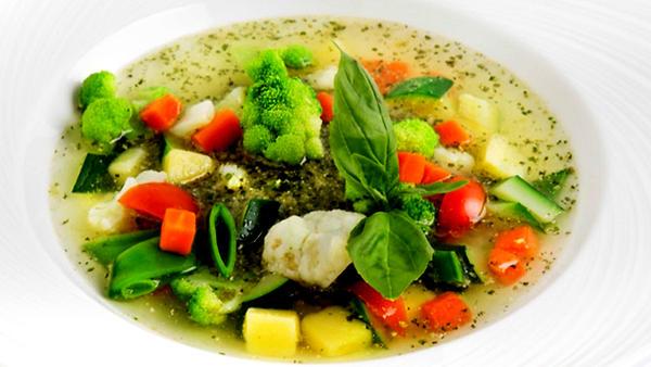 Суп минестроне с песто: поша…
