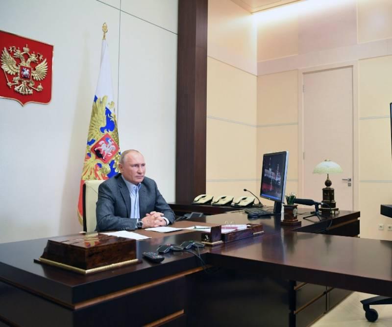 Путин: «Смотрите, как бы у нас не получилось, как в Советском Союзе - всё есть, но не всем хватает» россия