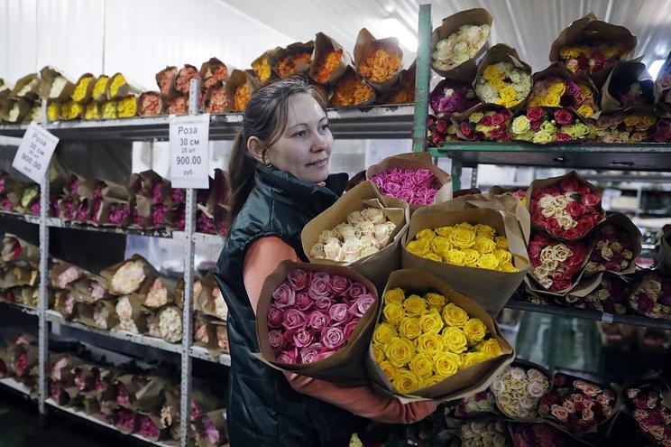 50 миллионов цветов завезли в Москву к 8 марта
