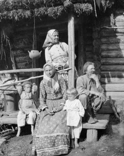 Как выглядели и как жили крестьянки в дореволюционной России