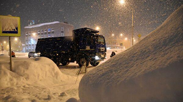 В Кузбассе подросток погиб в сугробе, катаясь с горки Лента новостей