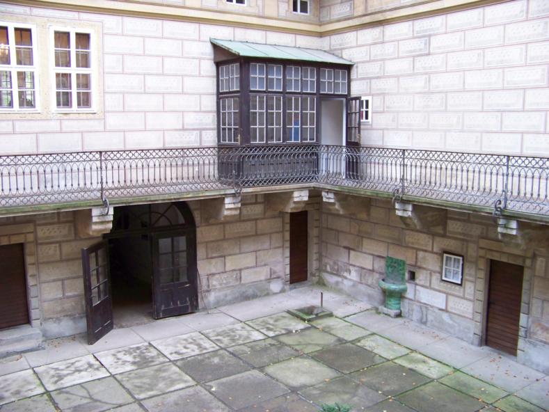 «Врата в ад»: фото пустующего замка, который был построен на гигантском расколе в земле достопримечательности,интересное,мир,чехия