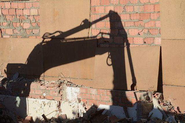 В Москве более половины владельцев снесли объекты самостроя добровольно