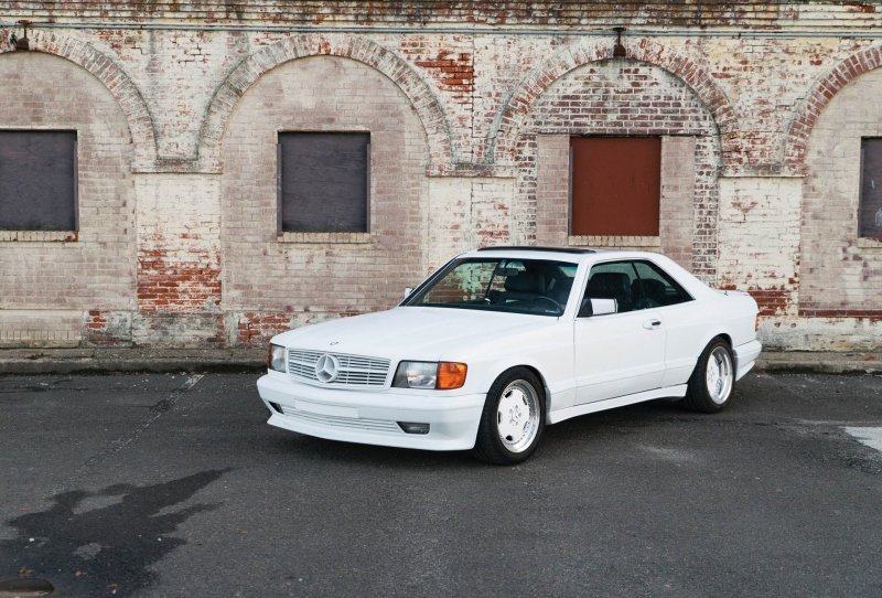 Великолепное купе Mercedes-B…