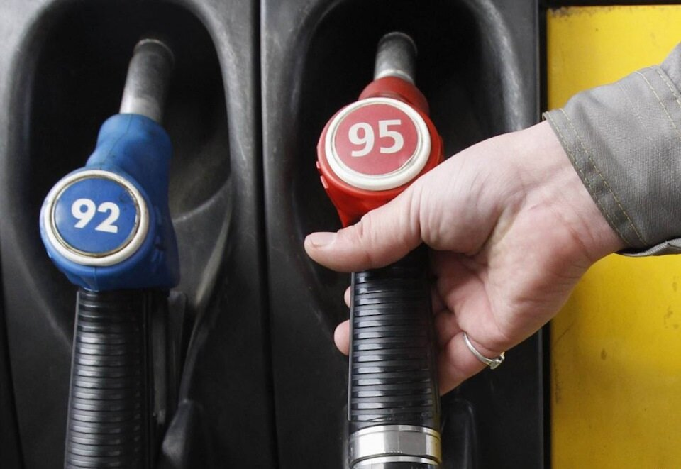 95-й бензин по 40 рублей за литр? Вполне возможно авто,авто и мото,автосалон,бензин,водителю на заметку,машины,Россия,советы
