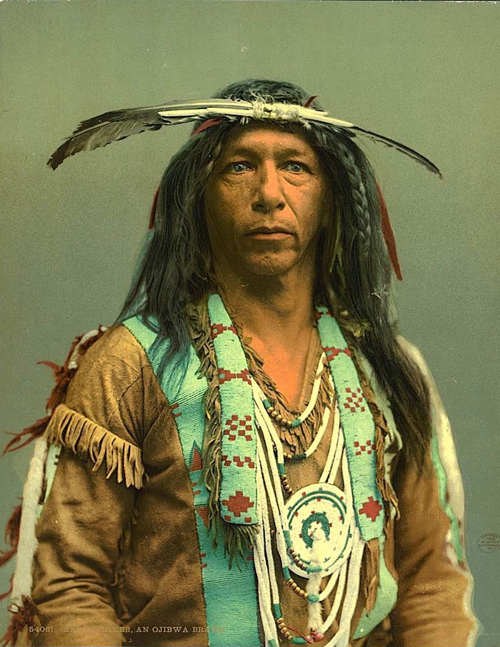 Американец разыскал цветные фото индейцев конца XIX века
