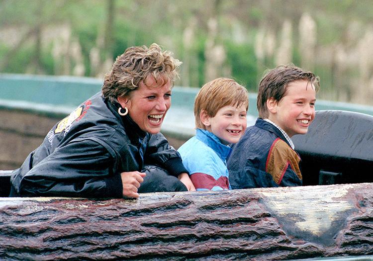 СМИ: принц Гарри и принц Уильям выступят отдельно на открытии памятника принцессе Диане Монархи,Британские монархи