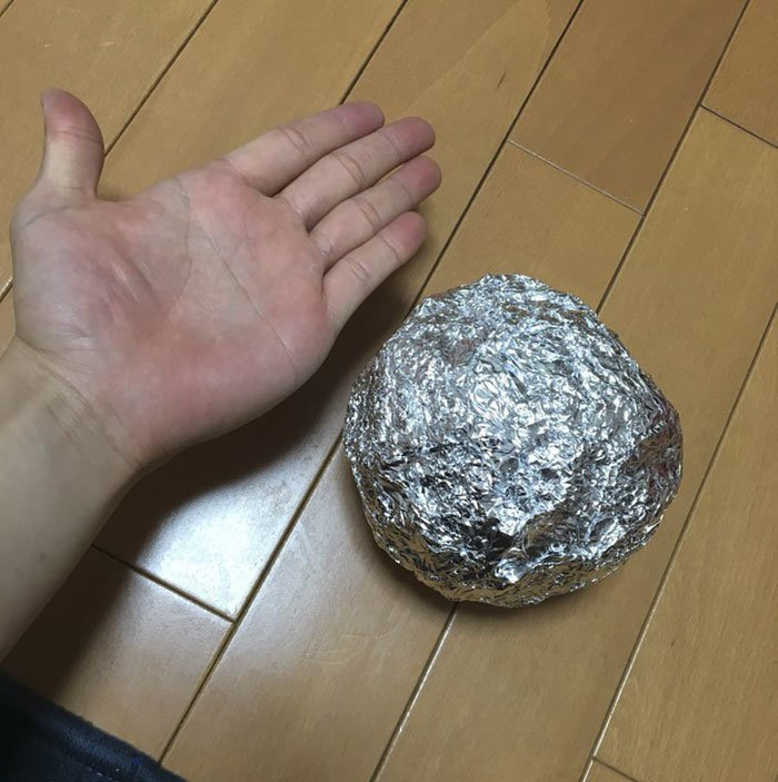 Все начинается с комка алюминиевой фольги: в мире, очумелые ручки, фольга, шары, япония