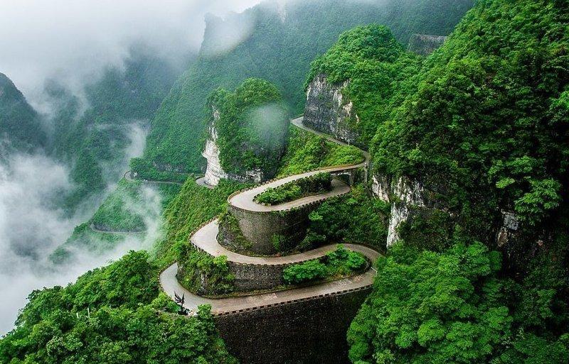 Горная дорога в национальном парке на горе Тяньмэнь виды, города, китай, красота, необыкновенно, пейзажи, удивительно, фото