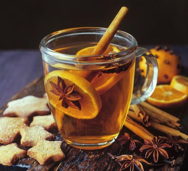 Согревает и бодрит! — 5 рецептов горячих зимних напитков