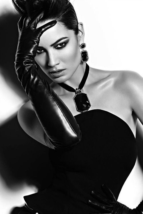 Женский соблазн и чёрно-бела…