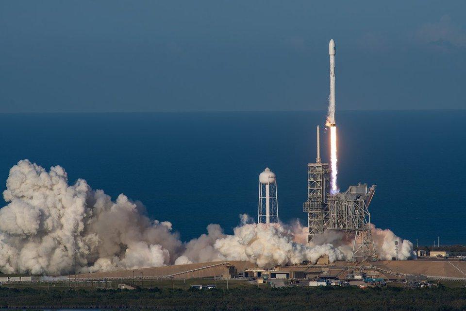 SpaceX совершила космическую…