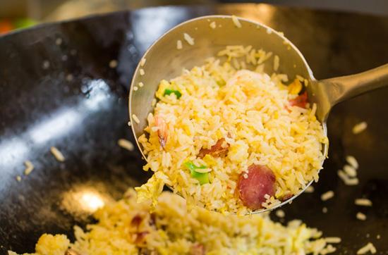 4 правила идеально жареного риса