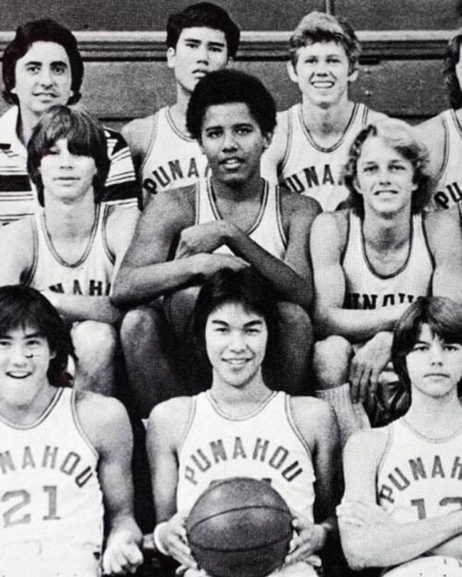 Барак Обама в старших классах в баскетбольной команде